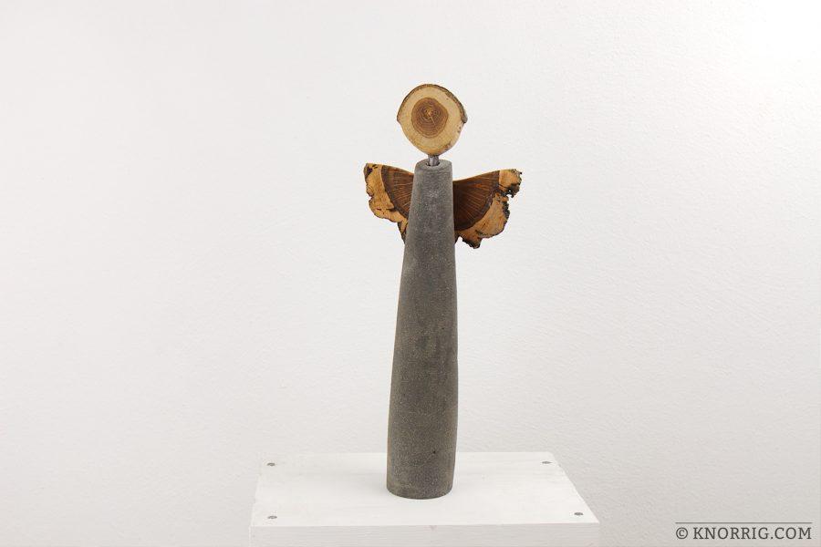 Schutzengel aus Beton und Holz | guardian angel made from concrete and wood